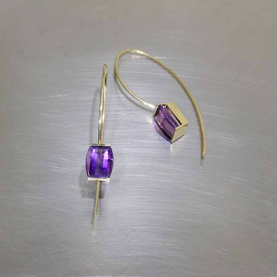 Style #23311047: Lightweight Vibrant Amethyst Wire Drop Earrings, 18KY Gold