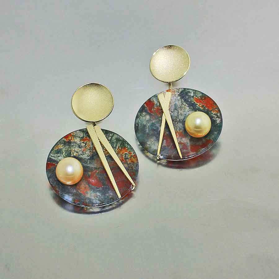 Style #23311034: Moss Agate Disc Earrings w/ Golden South Sea Pearls, 18KY Gold