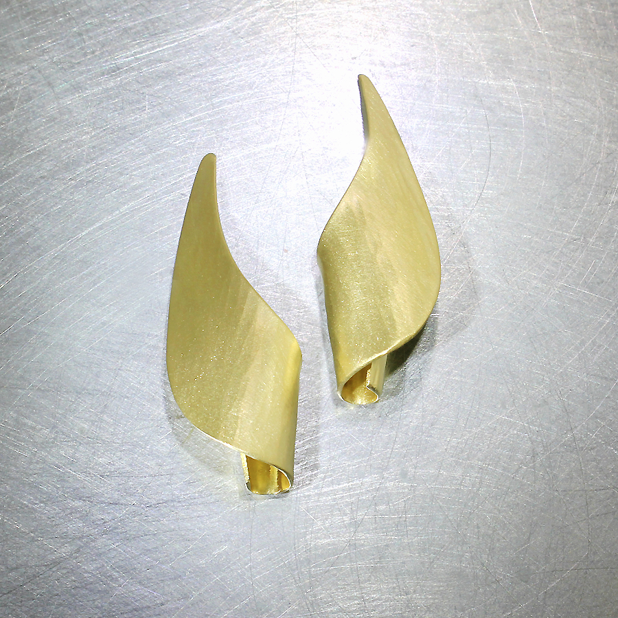 Style #28110412: Softly Hammered Curving Spiral Sheet Earrings, 18KY Gold