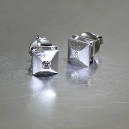 Style #22110577: Chic, Sophisticated Princess-Cut Diamond Stud Earrings, Platinum