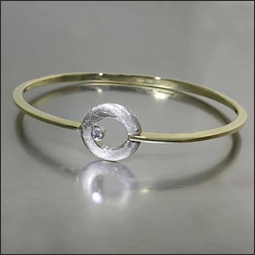 Diamond Circle-Hinge Bangle, 18KY/14KW