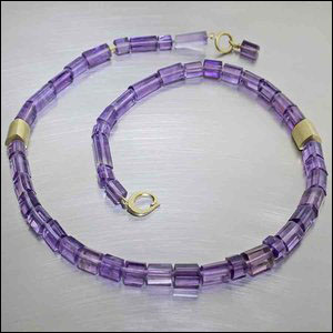 Style #23610114: Soft Purple Amethyst Bead Strand w/ Off-Center 18KY Gold Accent Spacers