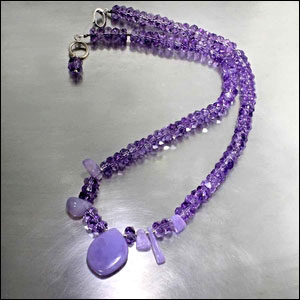 Style #23610118: Amethyst Beads w/ Holley Chalcedony Drop Accents