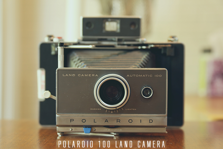 I added the hipster font to go with my hipster blogger-photo of my hipster camera.