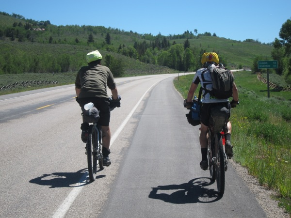 Two guys on the The Great Divide race. CRAZY!