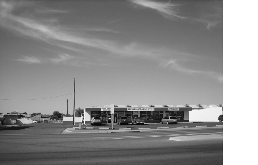 Shops on Bell 112.jpg