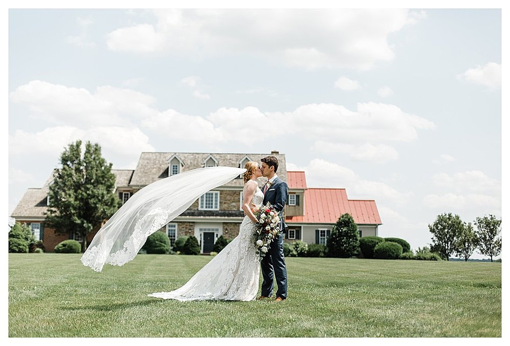 York_pa_Wyndridge_Farms_Wedding_erinelainephotography_0925.jpg