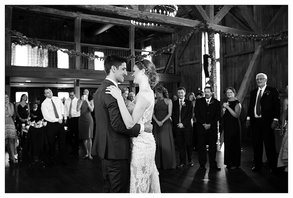 York_pa_Wyndridge_Farms_Wedding_erinelainephotography_0986.jpg