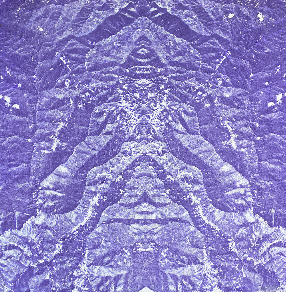 LA MONTAÑA EXHALA (THE MOUNTAIN EXHALES), 2004