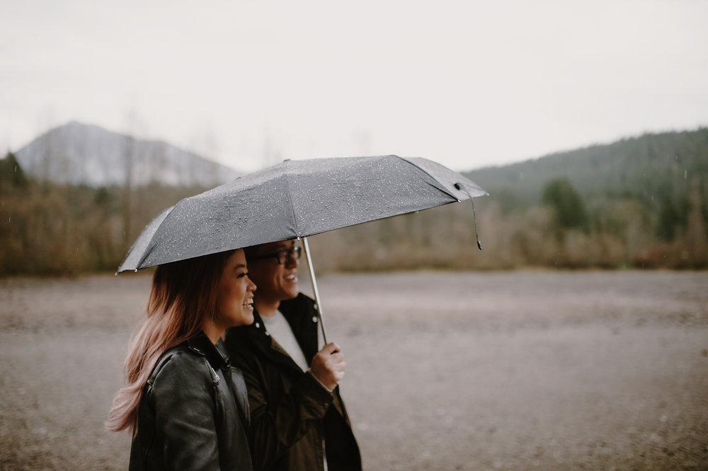 rainy_rattlesnake_ledge_engagement_kristenmarieparker-4.jpg