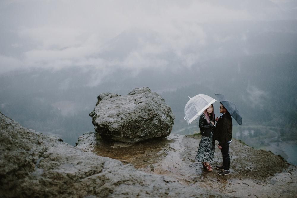 rainy_rattlesnake_ledge_engagement_kristenmarieparker-19.jpg
