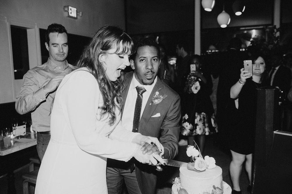 KristenMarieParker_Oakland_Small_Wedding_Kronnerburger208.jpg