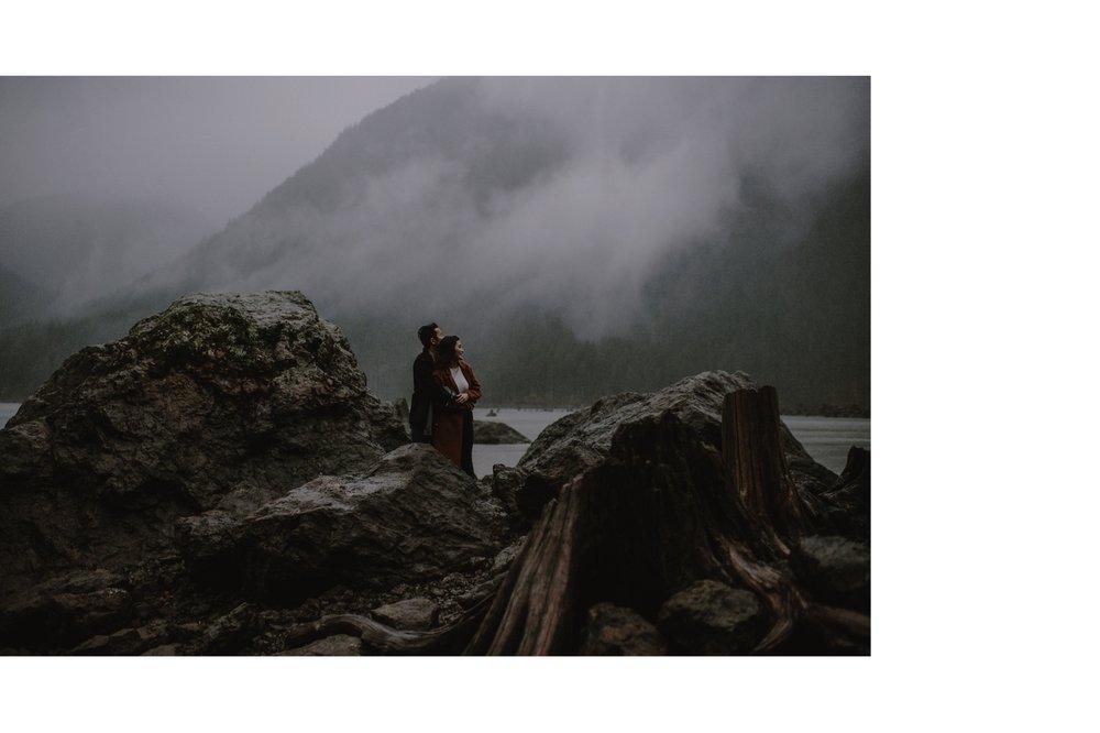 Rainy_Lake_Engagement_Session_Kristen_Marie_Parker017.JPG