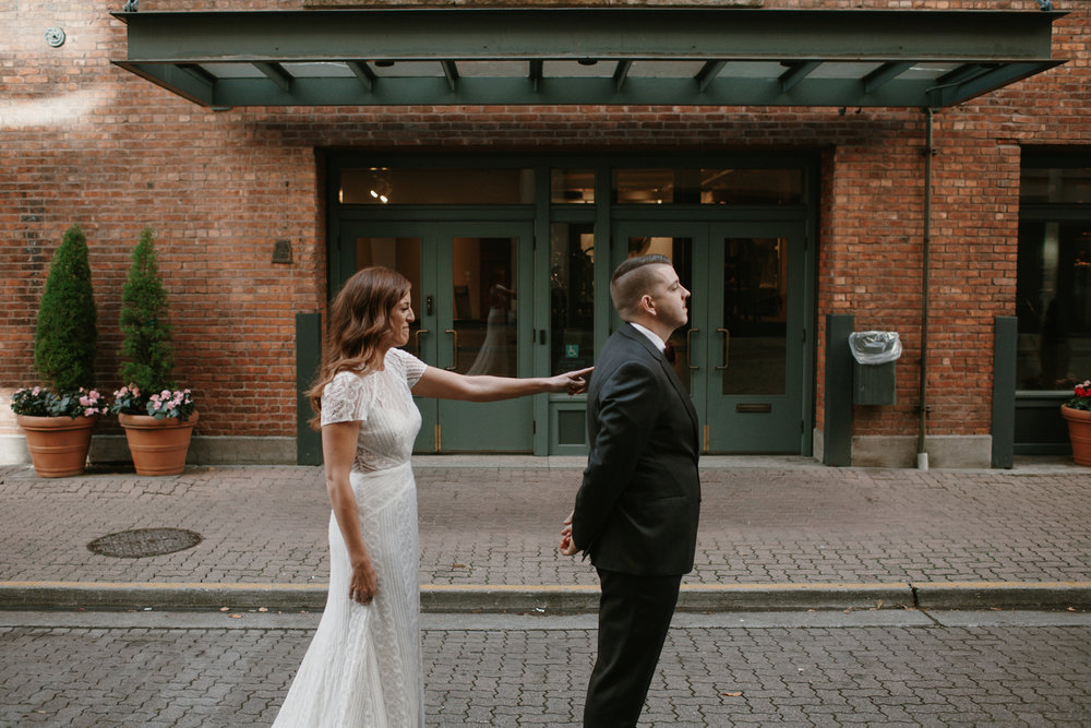 Downtown_Seattle_Wedding_Foundry_Sinclair_Moore011.JPG