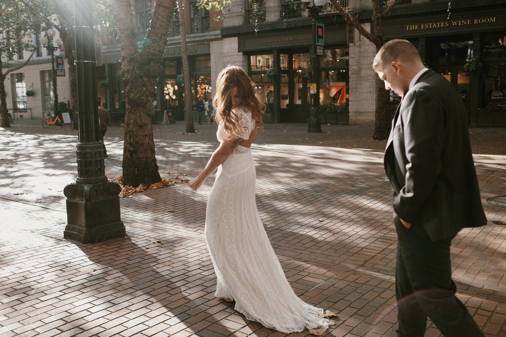 Downtown_Seattle_Wedding_Foundry_Sinclair_Moore016.JPG