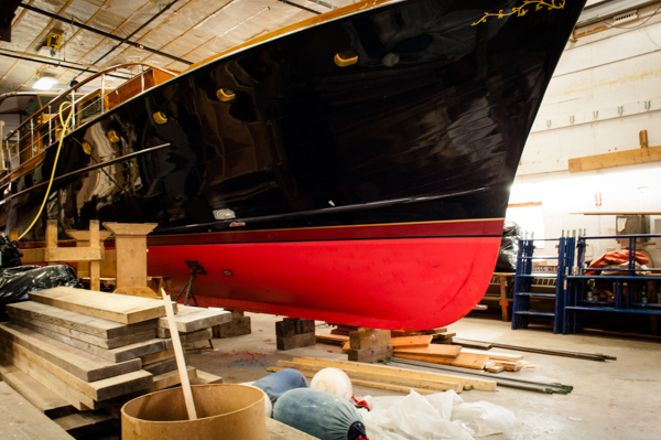 shiney black hull_rockport boatyard-0034.jpg