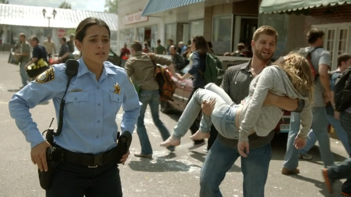 UndertheDomeS01E06_3.jpg