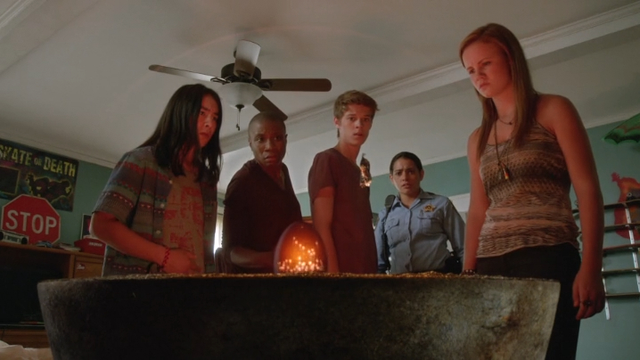 UndertheDomeS01E12_3.jpg