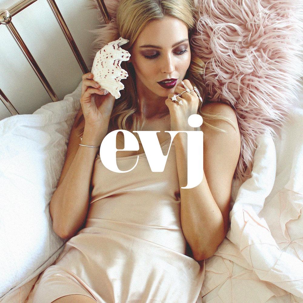 Eliza-van-der-Drift-EVJ-Jewellery-Sophie-van-der-Drift-Graphic-Design.jpg