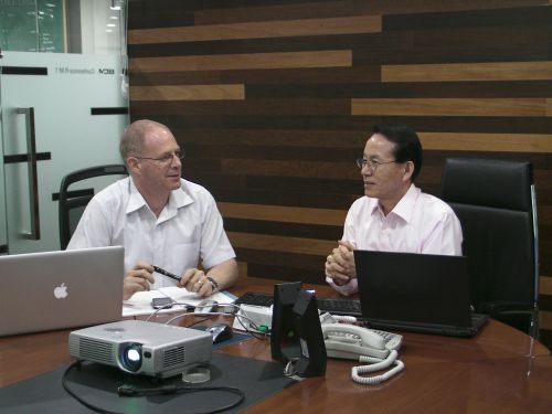 A recent picture of me working with Dr Min on Korea's Global Etiquette programme. a programme designed to improve the image of Korea to the world.  More information can be obtained from Dr Min's personal site  www.bcmin.co.kr