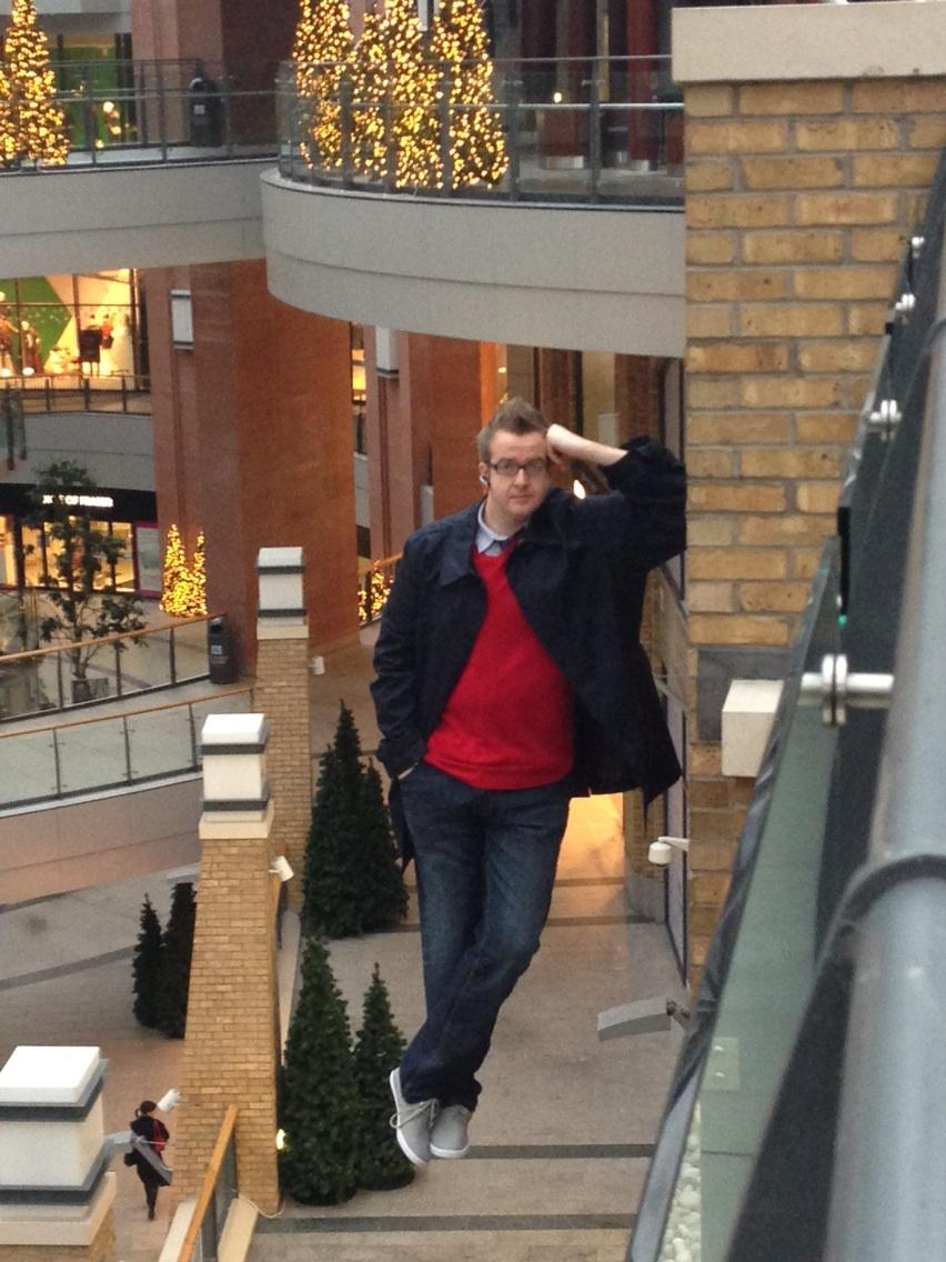 Mentalist David Meade is Levitating 20ft High at Victoria Square- Right Now