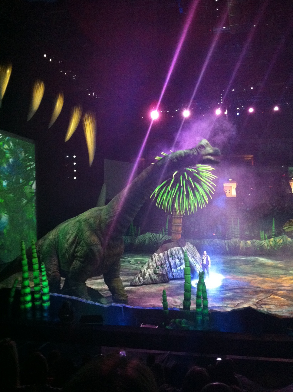 Walking With Dinosaurs. Incredible Show with 'Real Life' Dinos.