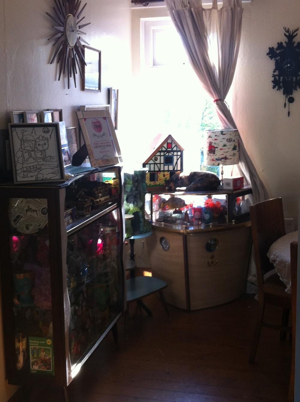 A Peek Inside The World of Kitsch's House