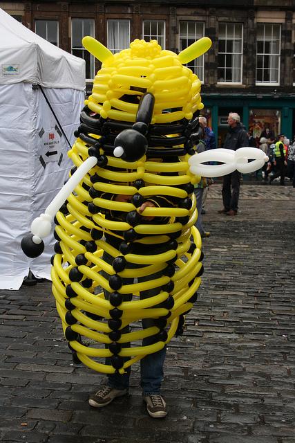 Balloon Modelling Tardis & Dalek