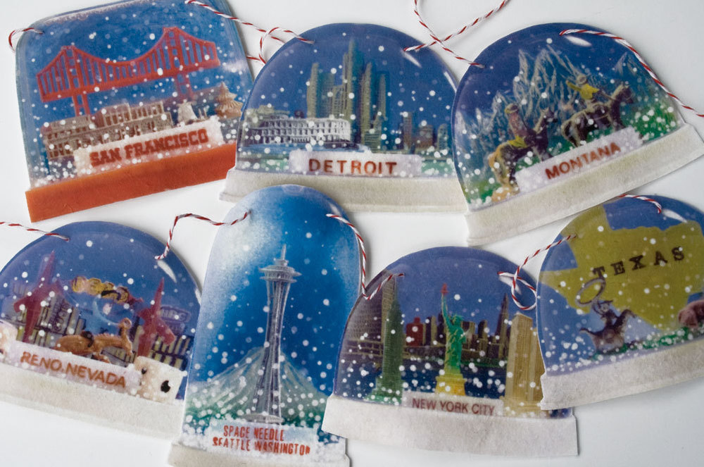 Glorious Snow Globe Garland