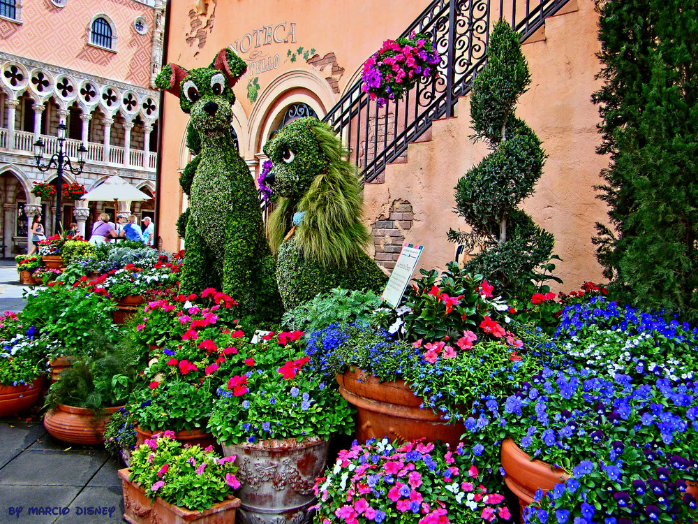 More Topiary from Disney Parks