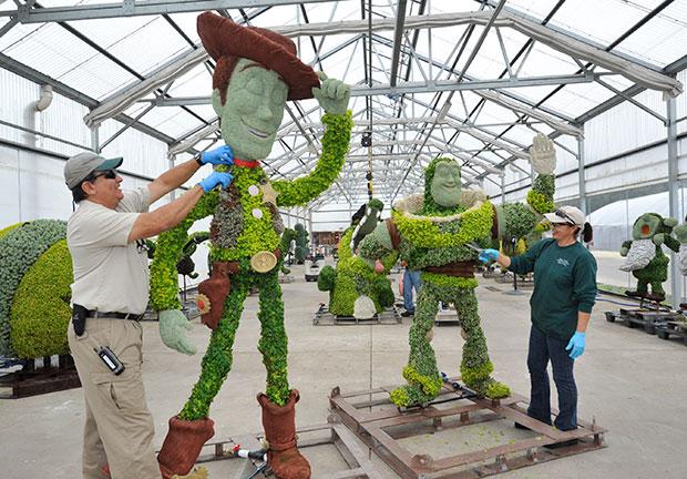 Disney Topiary