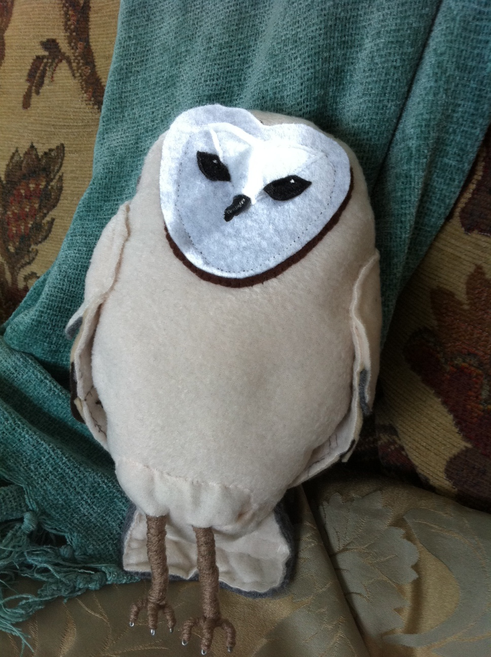 Beautiful Felt Owl, by Felicity Laird
