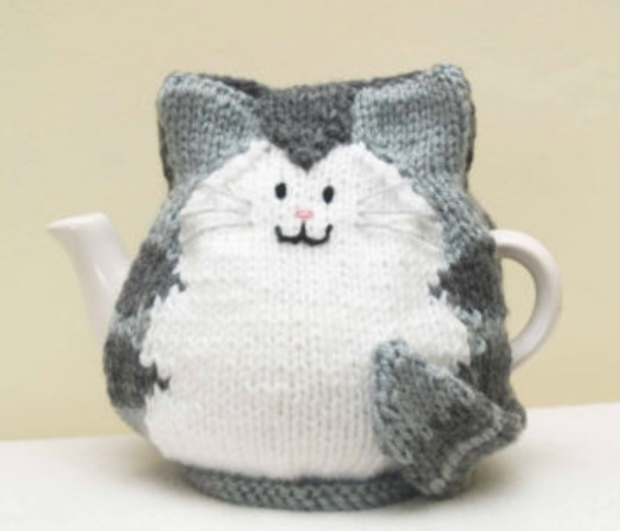 Owl & the Pussycat Hand-knitted Teacosy