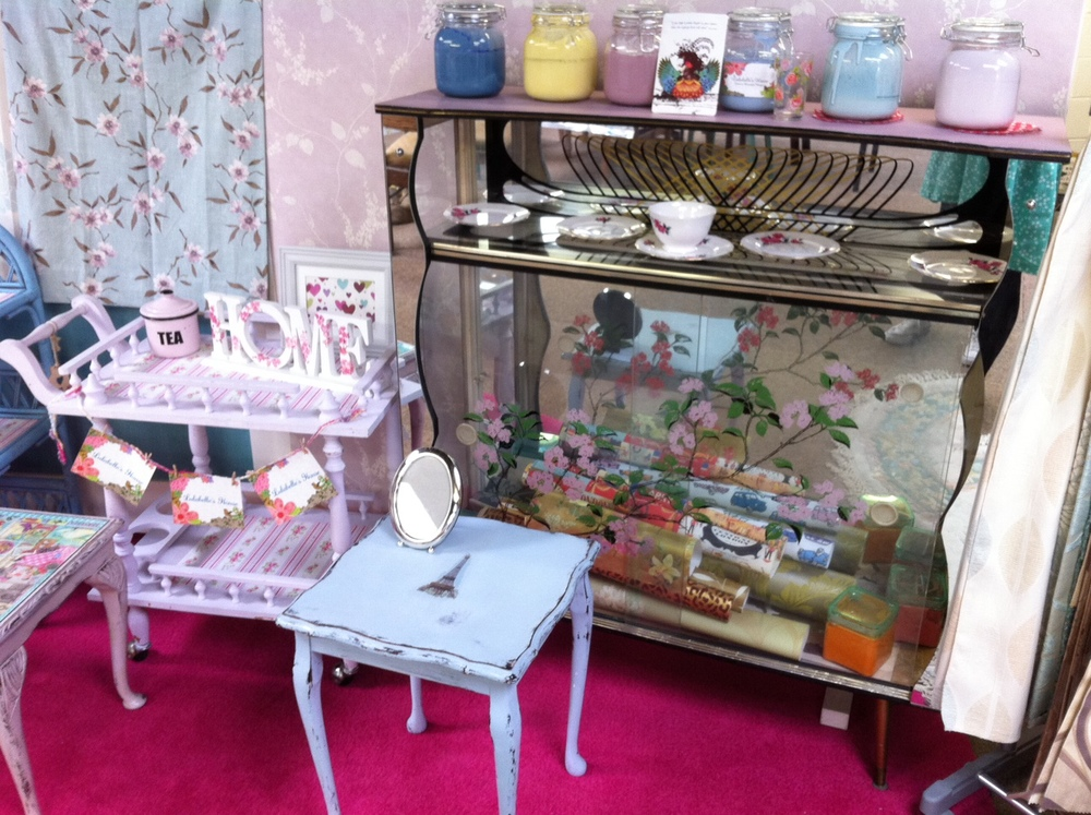The World of Kitsch goes to Lulabelle's House Furniture Restoration Class