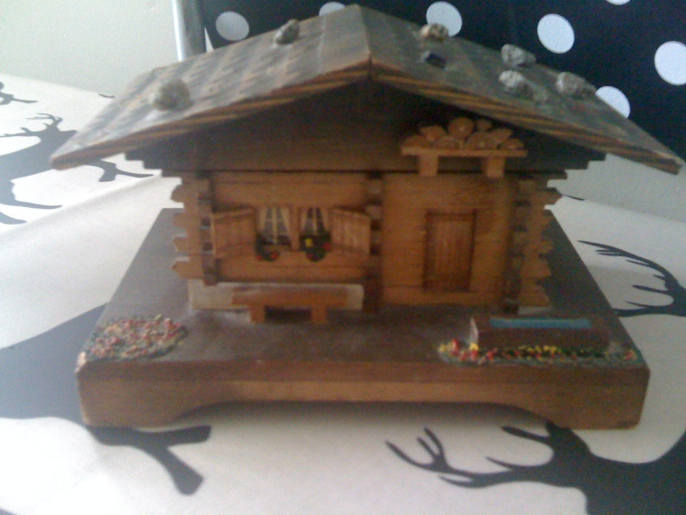 Swiss Log Cabin Music Box