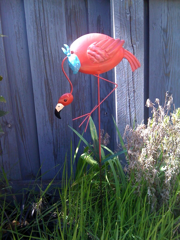 Bargain Metal Lawn Flamingoes