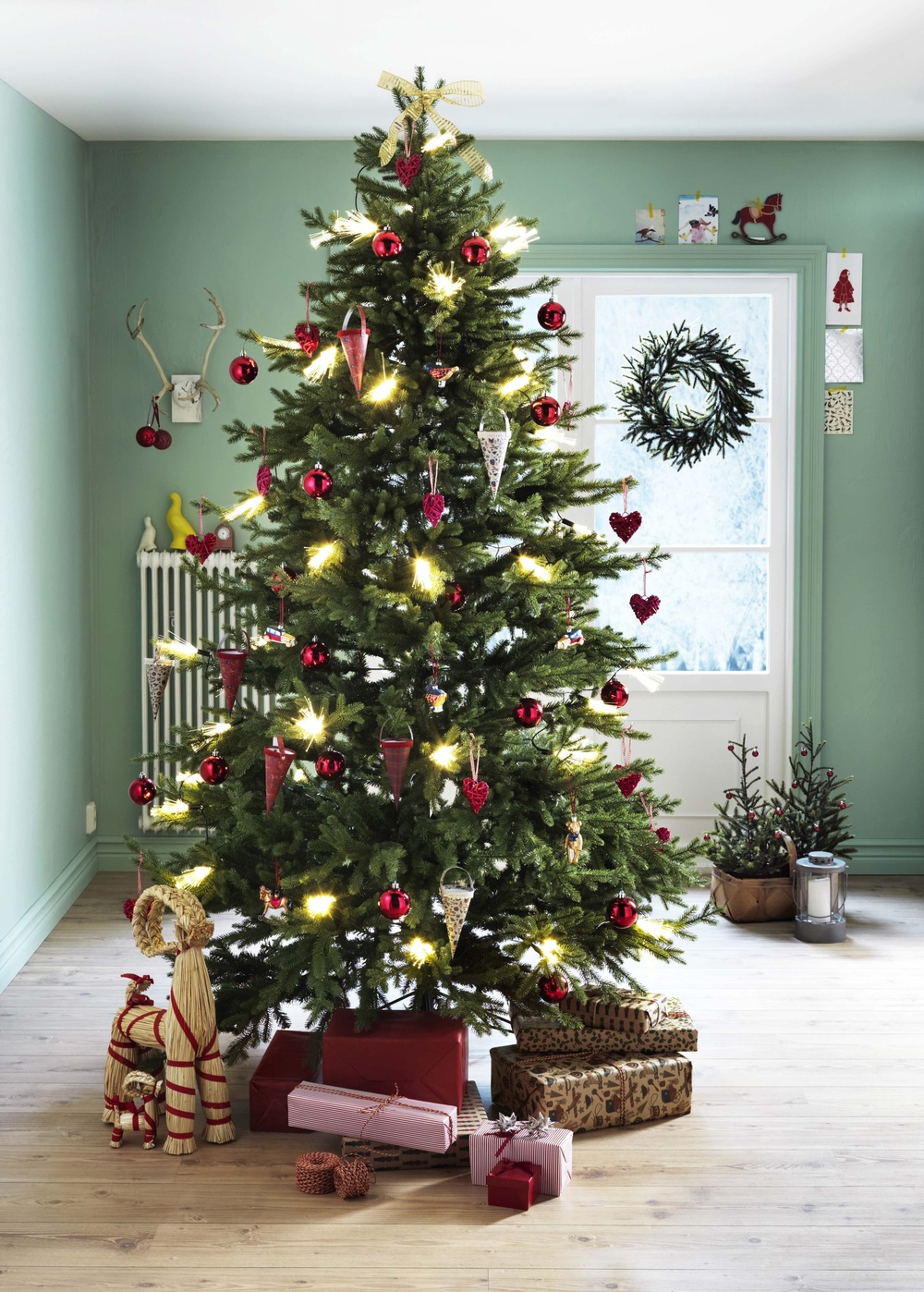 ikea belfast will be selling real christmas trees for 25 plus you get a 20 voucher for use in. Black Bedroom Furniture Sets. Home Design Ideas
