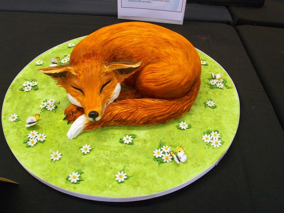20 Fantastic Fox Cakes That Escaped The Boxing Day Hunt