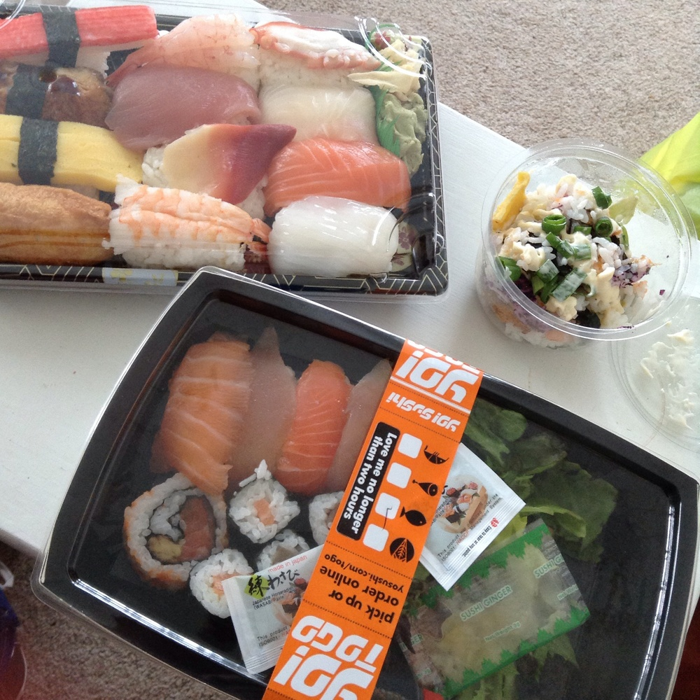 Top left £16.50 box from Sakura, top right is a little sushi mix bowl from Yo! which costs £1.50, bottom is the £7.50 Yo! large salmon and tuna box.