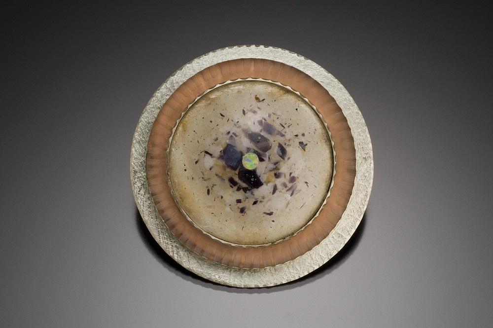 disc brooch w shell, opal-2.jpg