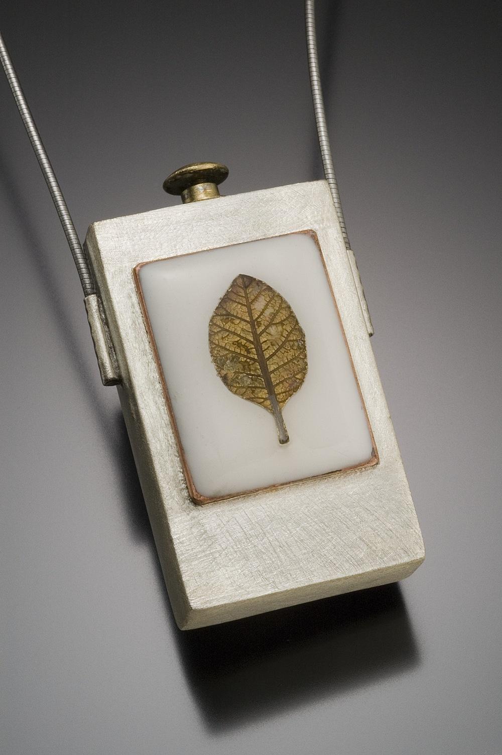 closed box w leaf.jpg