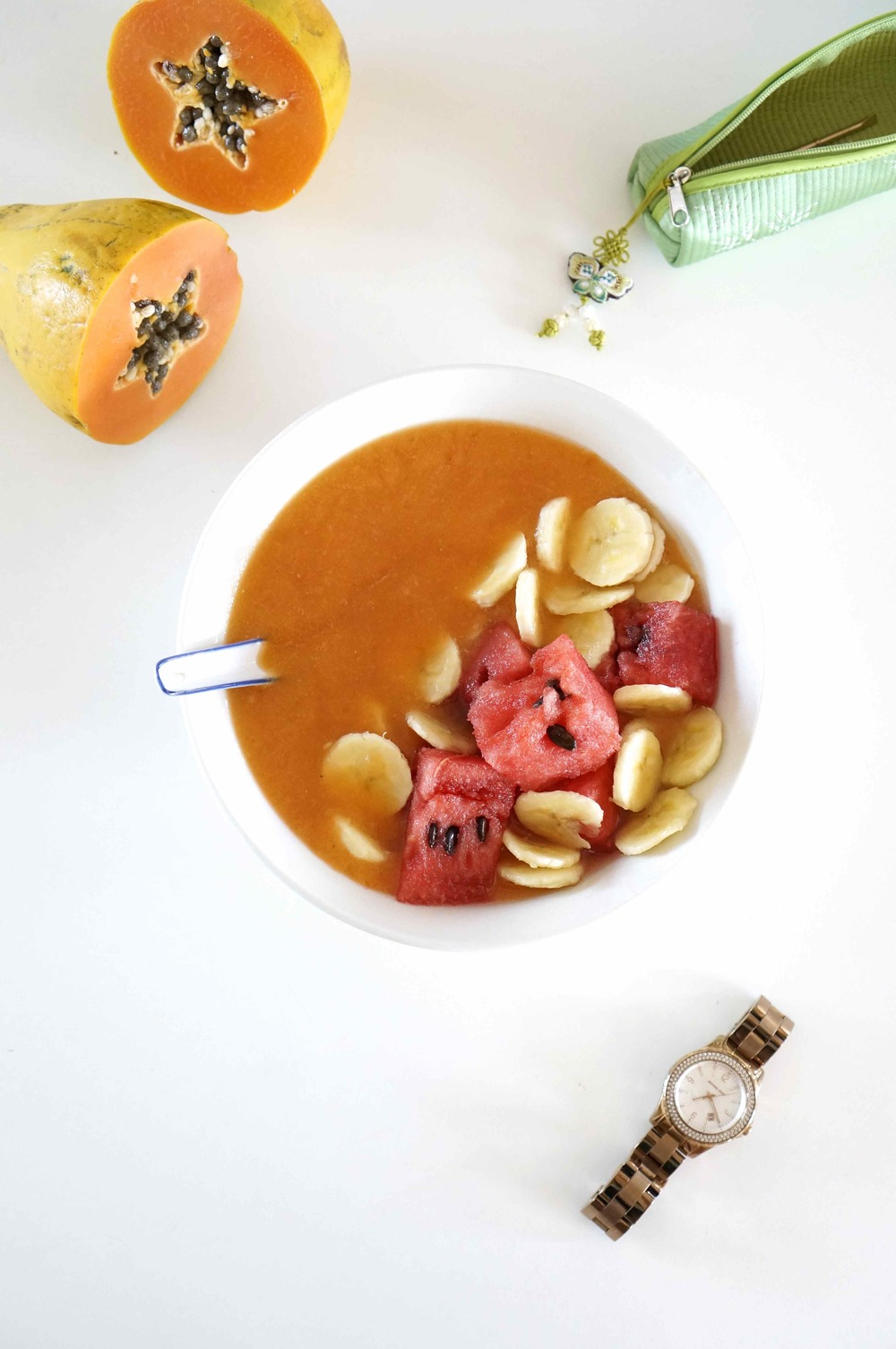 honey_and_velvet_papaya_smoothie_bowl.jpg