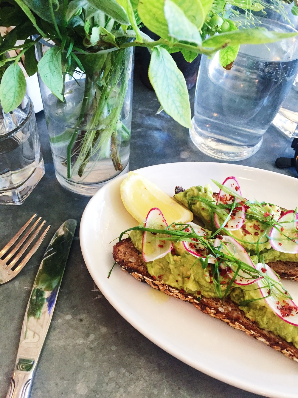 AVOCADO TOAST FROM FIVE LEAVES: 9/10