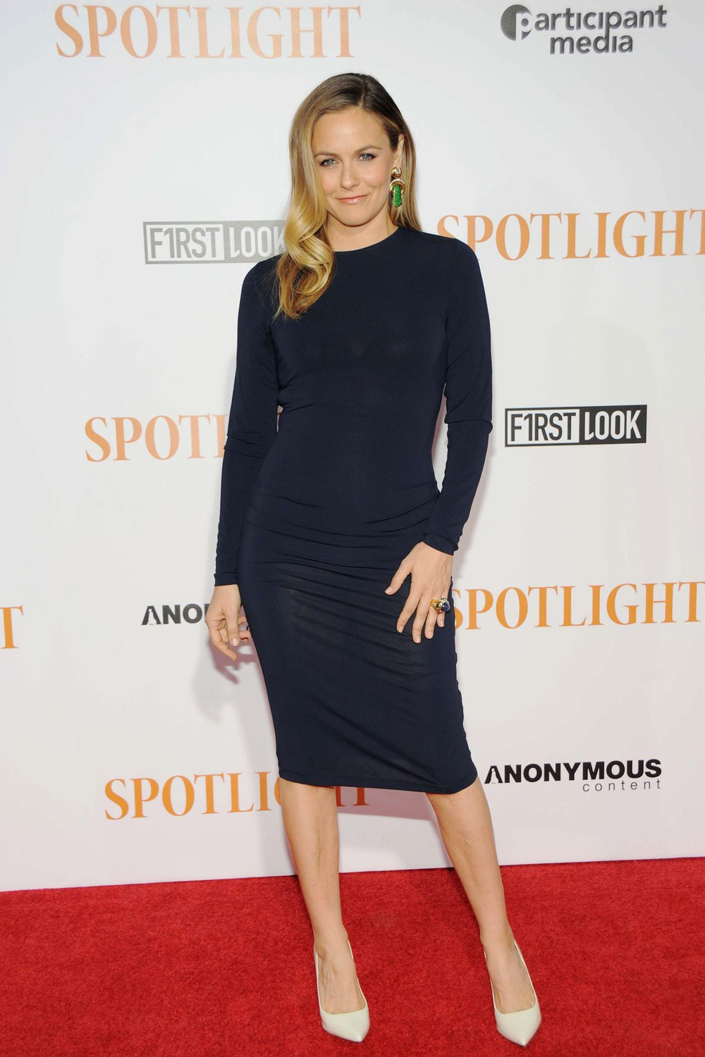 alicia-silverstone-at-spotlight-premiere-in-new-york-10-27-2015_9.jpg