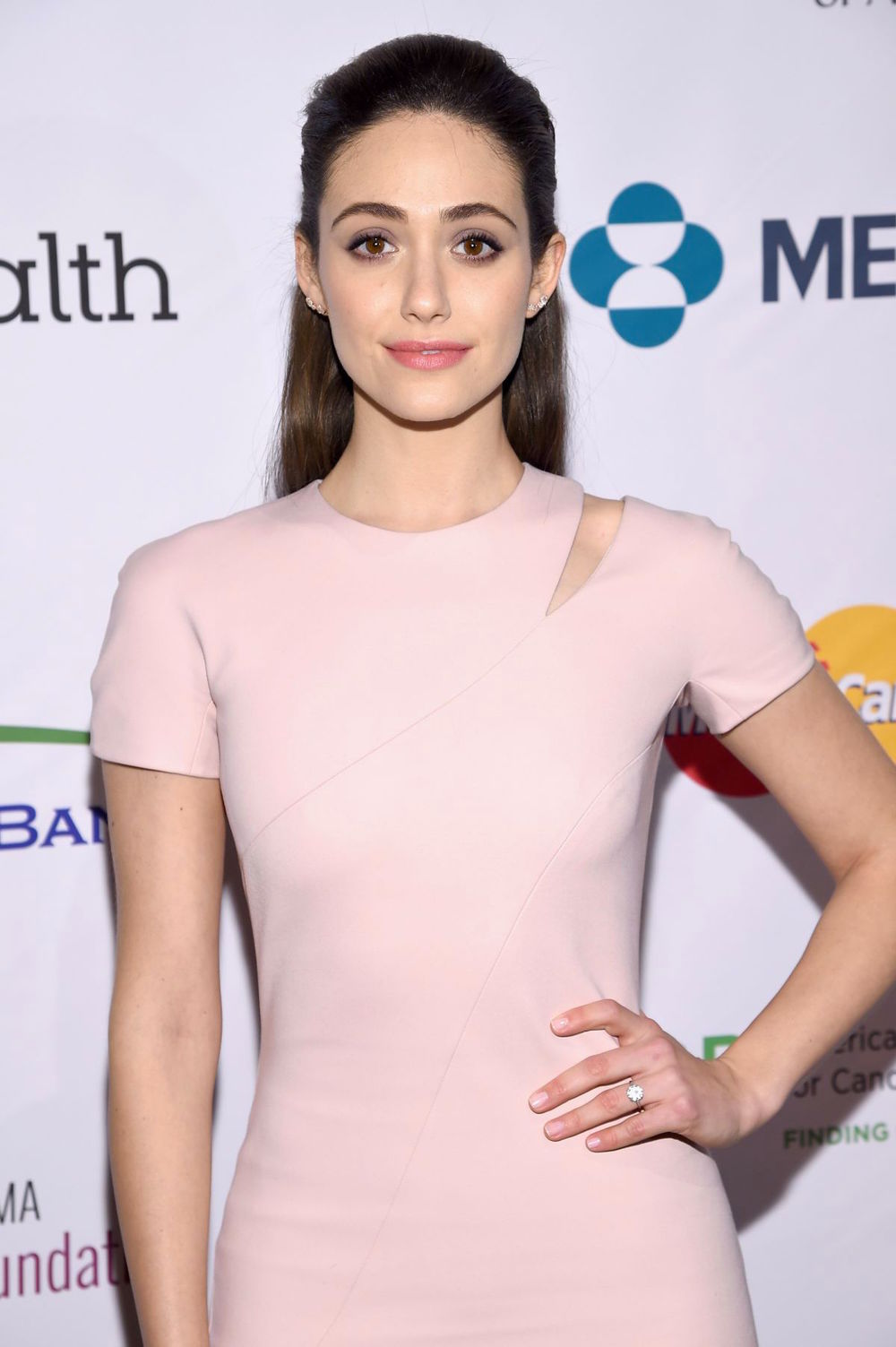 emmy-rossum-stand-up-to-cancer-s-new-york-standing-room-only-event-in-new-york-city_1.jpg