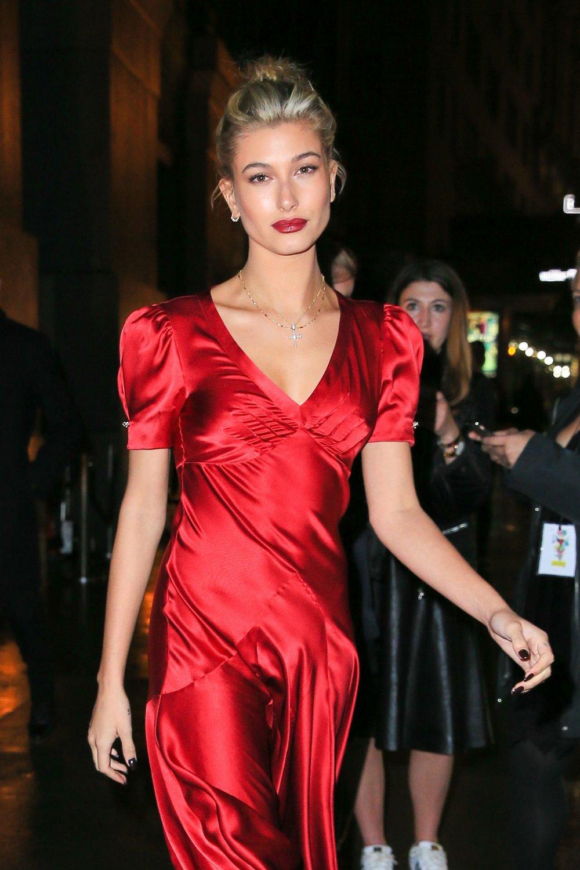 hailey-baldwin-fashion-group-international-night-of-stars-gala-in-nyc-10-27-2016-1.jpg