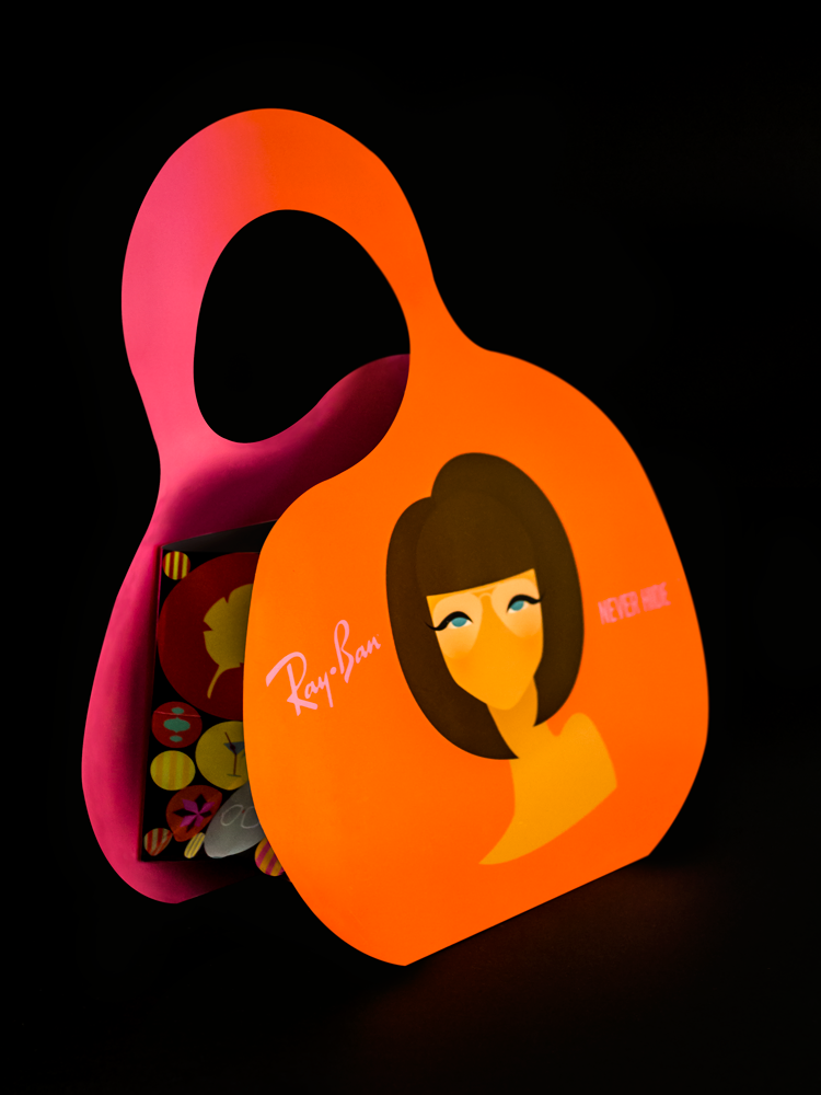 ray-ban-bag-girl-1-a.png