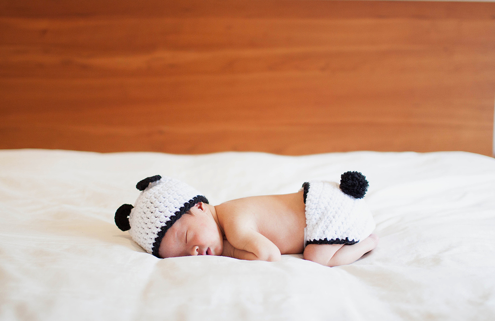 rachel withers photography | documentary newborn photo session | Scarsdale, NY