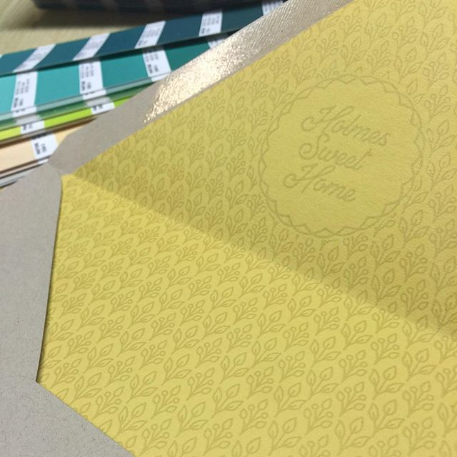 Really lovin the vintage feel this bride wanted through out her invites- check out this letterpressed envelope liner with their wedding hashtag! Real happy with how the design and printing on this one turned out!!