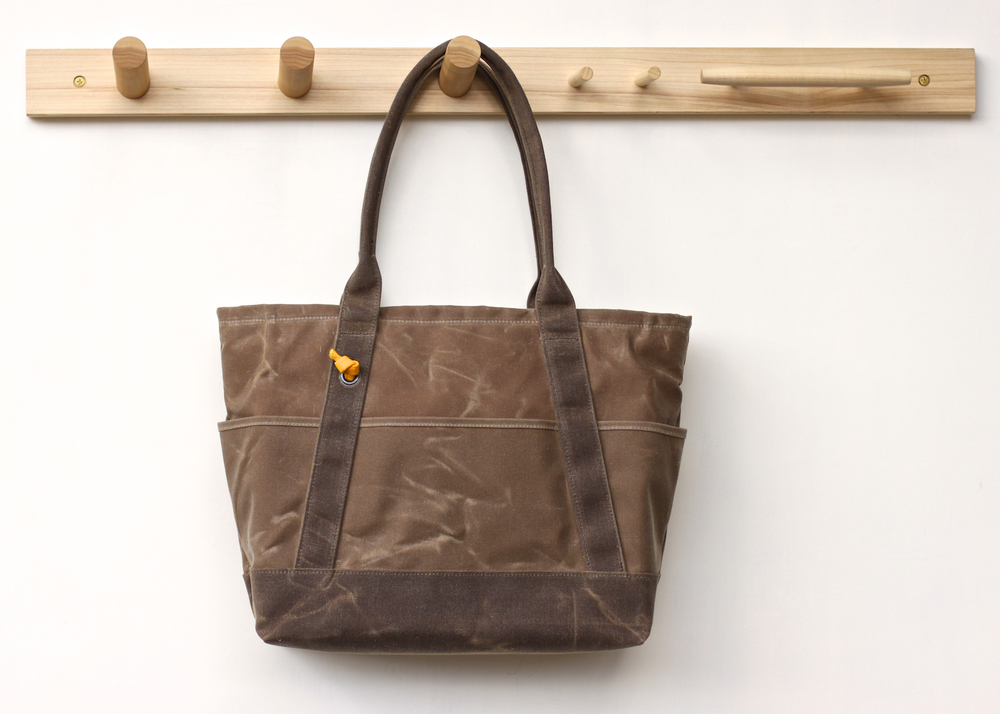 Cinch_Tote-Brown_03.jpg